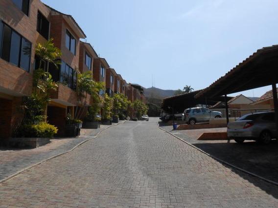 Venta Moderno Townhouse 20-11365 Lomas Del Este Mz