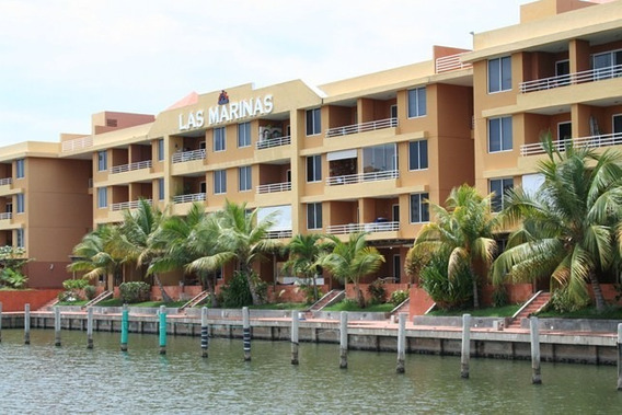 Bello Apartamento Remodelado Planta Baja Con Muelle Propio