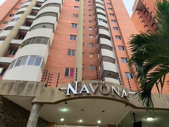 Apartamento En Venta En La Trigaleña Valencia 20-4758 Lcn