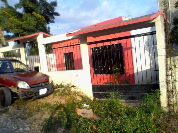 Casa Sola En Venta Col. Villa Real