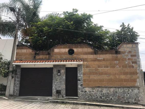 Rento Bonita Casa Frente A Galerías En Fracc Con Vigilancia