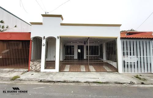Imagen 1 de 7 de Linda Casa De Un Solo Nivel, Urbanización La Contemporánea