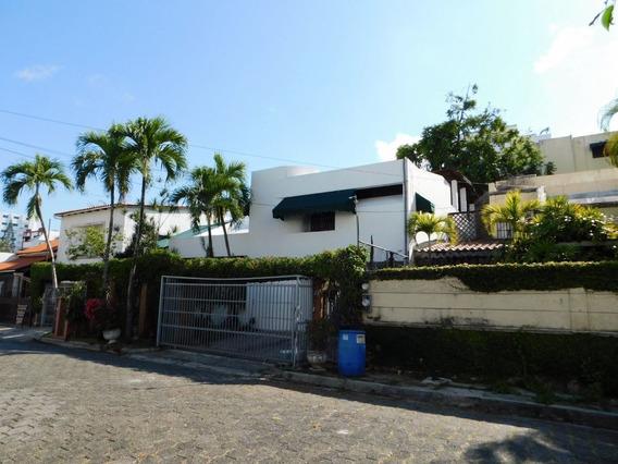 Casa En El Centro De La Cuidad Próximo A La Winston Churchill