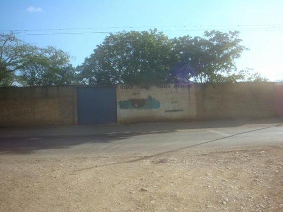 Terreno En Venta Enbarquisimeto 19-8299 Rb
