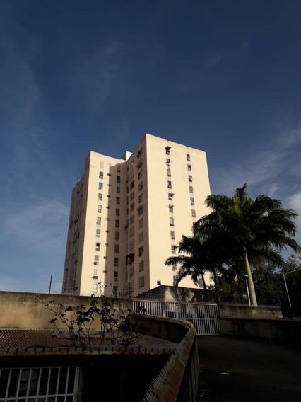 Apartamento Resid. El Recreo La Victoria, Aragua.