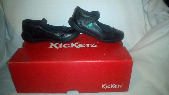 Zapatos Colegiales Marca Kickers Para Niña Talla 26