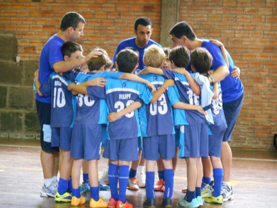 Aulas Em Escola De Futebol.