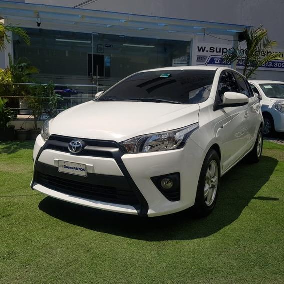 Toyota Yaris 2015 $ 9800