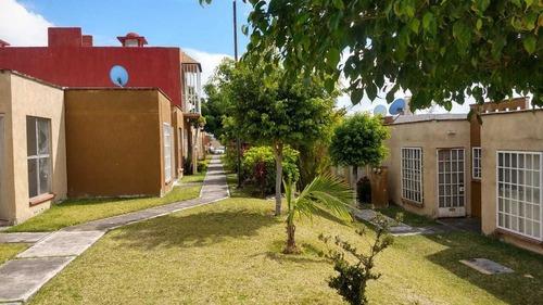 Bonita Casa De Un Nivel Con Alberca Comun