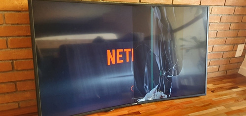 Imagem 1 de 9 de Tv Samsung 4k Curva Un49ku6300 (c/ Tela Rachada)