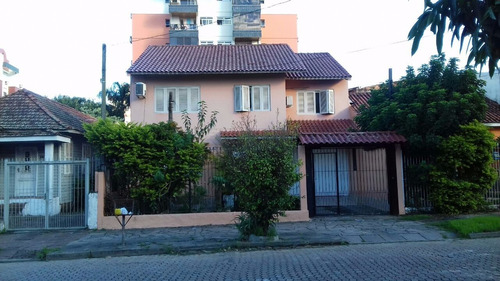 Casa Em Partenon Com 3 Dormitórios - Pj3363