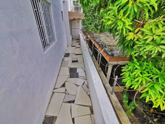 Apartamento 3 Habitaciones Y Terraza En Urb. Tropical Del Este