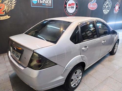 Imagem 1 de 9 de Ford Fiesta Sedan 1.6 Flex 4p