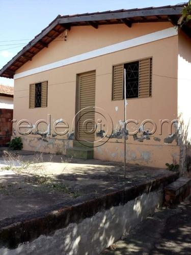 Imagem 1 de 10 de Casa 2 Quartos, 1 Banheiro, 1 Suíte, Sala, Cozinha, Área E Quintal. - Ca00307 - 69819535