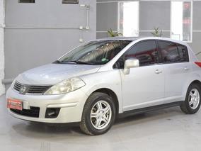 Nissan Tiida Visia 1.8 6mt Nafta 2009 5 Puertas Color Gris