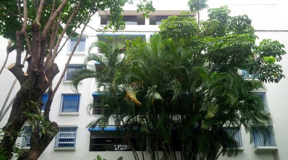 Apartamento En Venta,campo Alegre,caracas,mls #20-17226