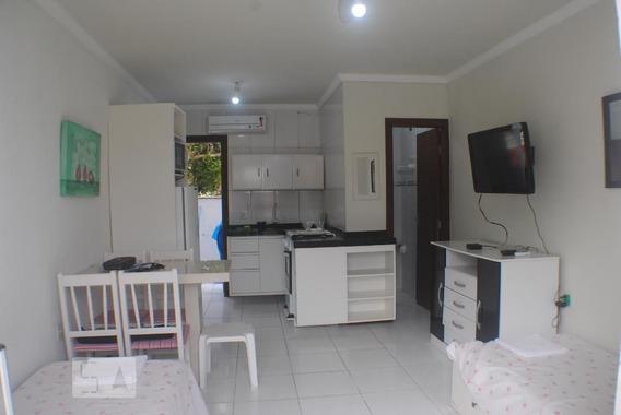 Apartamento Térreo Mobiliado Com 1 Dormitório E 1 Garagem - Id: 892953298 - 253298