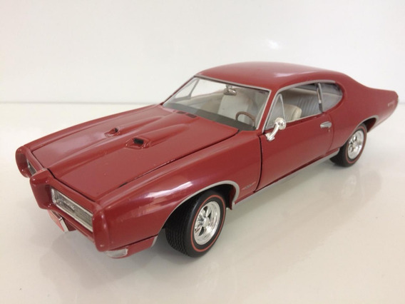 Miniatura Pontiac Gto 1/24 1968 Johnny Lightning