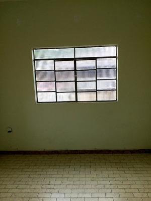 Casa Com Dois Quartos E Amplo Espaço Externo - 1031