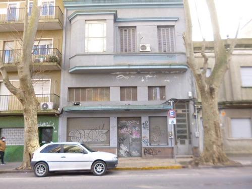 Imagen 1 de 14 de Importante Edificio Local En Pb Y Casa En Planta Alta