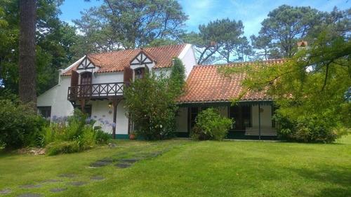 Casa 4 Dormitorios En Cantegril, Punta Del Este