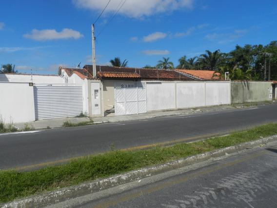 Vendo Casa Com 2 Dormitórios (1 Suíte) Com Piscina, Centro