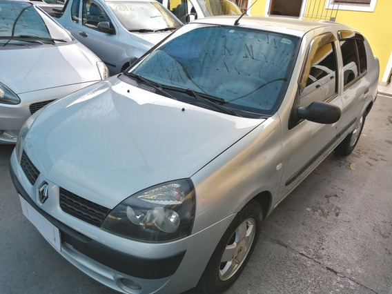 Renault Clio Sedan 1.6 Privilege 2003