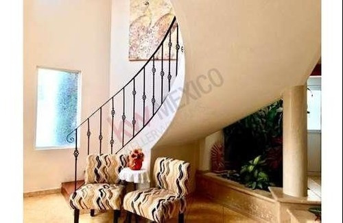 Hermosa Casa A La Venta En Loma De Valle Escondido . $ 10,190,000