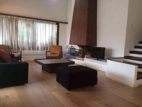 Casa En Venta 4 Dormitorios Y Dependencia - Ref: 897