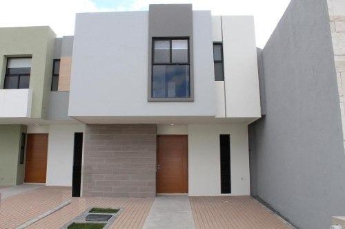 Casa En Venta En Zakia, El Marques, Rah-mx-20-570