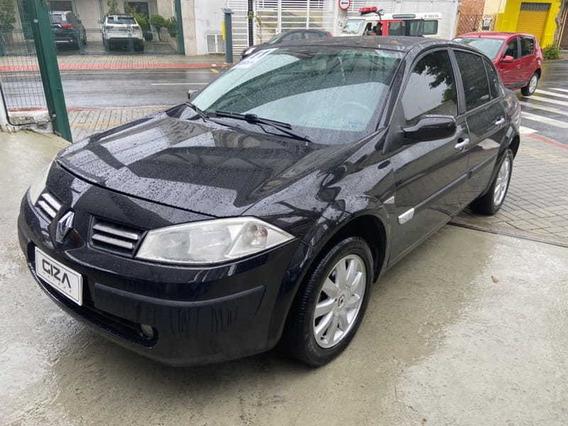 Megane Sedan Dynamique 1.6 16v(hi-flex) 4p