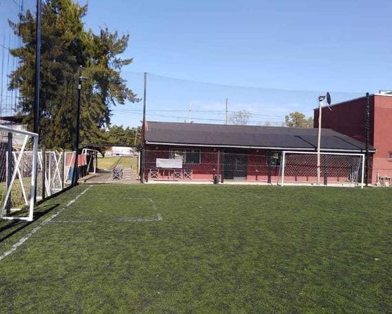 Fondo De Comercio. Canchas De Fútbol, Predio Deportivo.