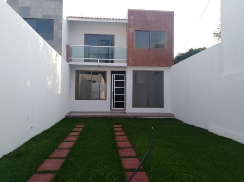 Imagen 1 de 15 de Vendo Casa De Dos Niveles En La Col. Gabriel Tepepa Cuautla
