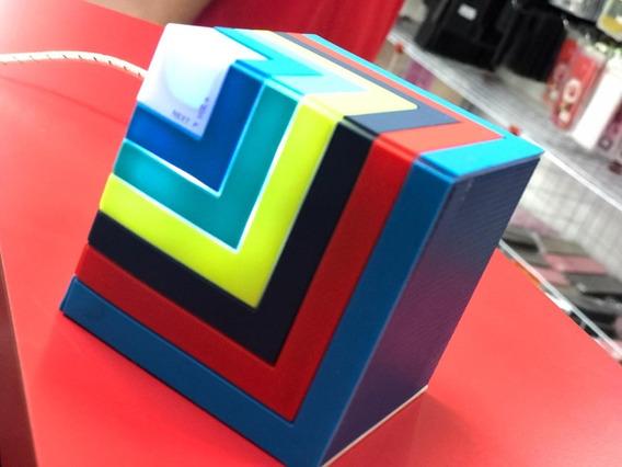 Caixa De Som Bluetooth Portátil Cubic Led