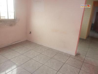 Apartamento Um Dormitório, Sala Clara E Arejada. Vaga De Garagem. Ref. Ap0797. - Ap0797