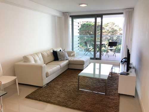 Departamento En Alquiler De 2 Dormitorios- Ref: 145