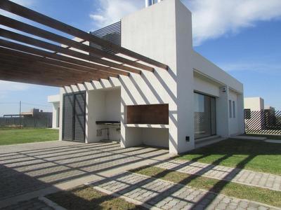 Casa En Venta O Alquiler En Funes Town