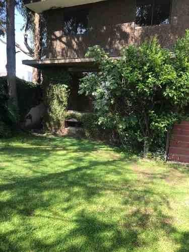 Casa En Venta En Calle Cerrada / Lomas De Santa Fe