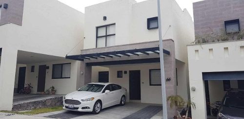 Casa En Renta En Zibata, El Marques, Rah-mx-20-1422