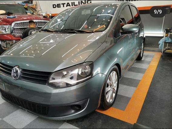 Volkswagen Fox 1.6 Comfortline 5 P 2011