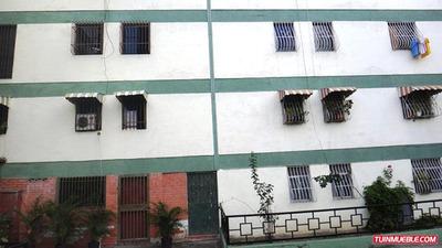 Apartamentos En Venta 17-4720