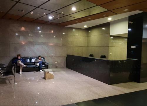 Oficina En Centro De Montevideo