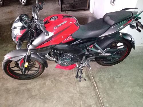 Moto Usada Bajaj Rouser Ns 200 Fi Abs Inyeccion 2018 Um