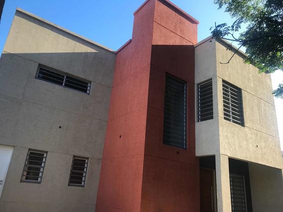 Casa En Venta - Constitucion 867 A Estrenar