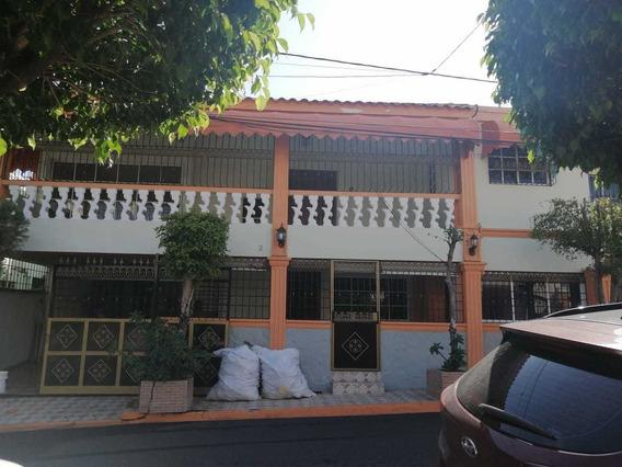 Vendo Casa De 2 Niveles 4 Hab/ 170 Mt2 En Av. Independencia,
