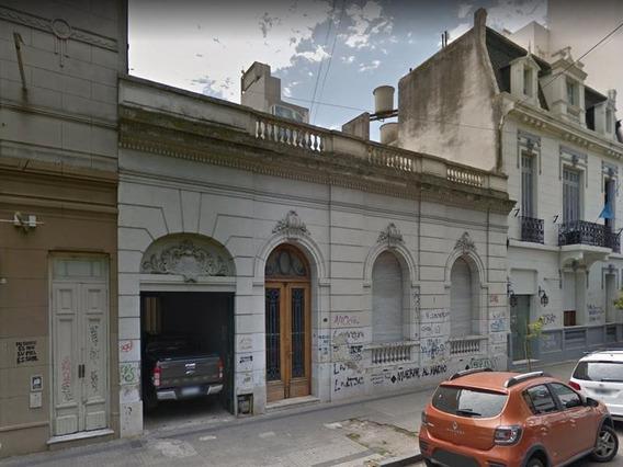 Casa En 49/9 Y 10 La Plata - Alberto Dacal Propiedades