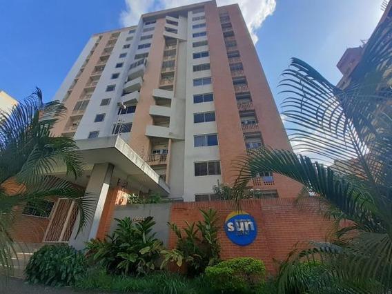 Apartamento En Venta En Mañongo Naguanagua 20-8139 Gav