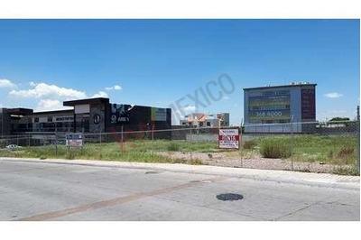 Terreno Comercial En Renta / Milenio Iii / Querétaro
