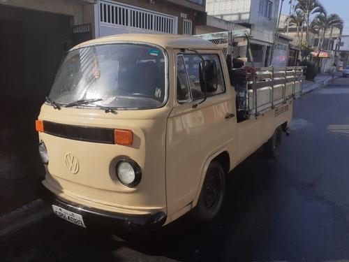 Imagem 1 de 6 de Volkswagen Kombi Pick Up