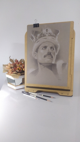 Imagem 1 de 9 de Desenhos E Retratos Em Grafite, Tam. A3